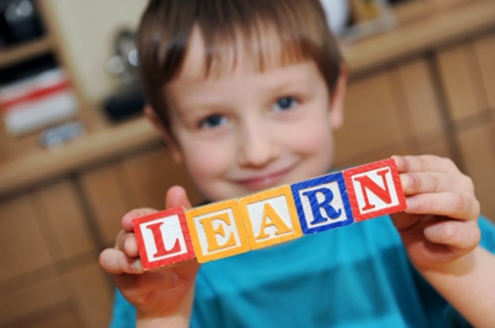 Почему именно интернет-ресурсы лучше всего подойдут для изучения английского с начинающими детьми?